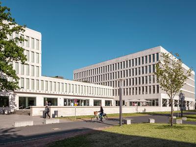 Fachbereich 02 wirtschaftswissenschaften home for Corporate design uni frankfurt